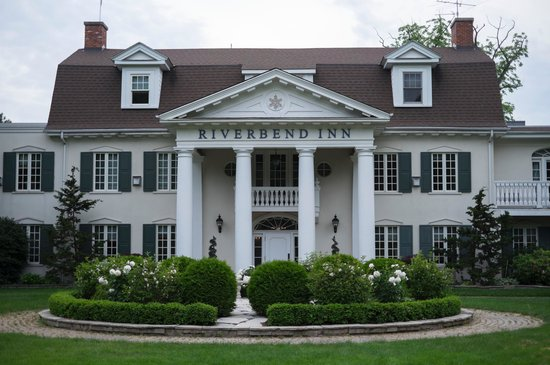 Riverbend Inn and Vineyard: The Riverbend