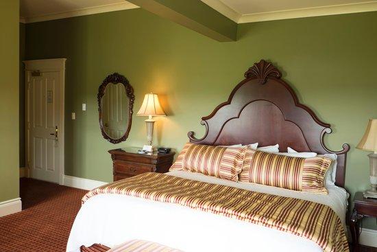 Riverbend Inn and Vineyard: Room