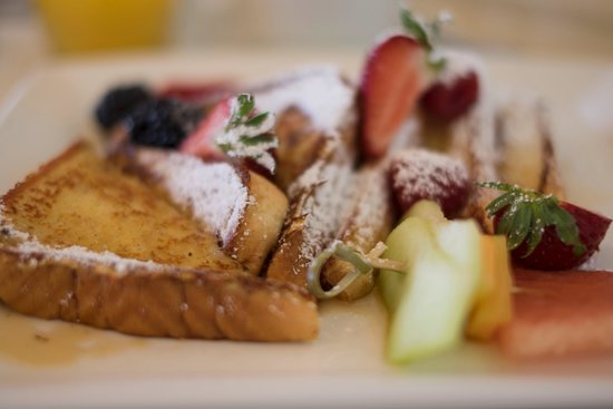 Riverbend Inn and Vineyard: Breakfast