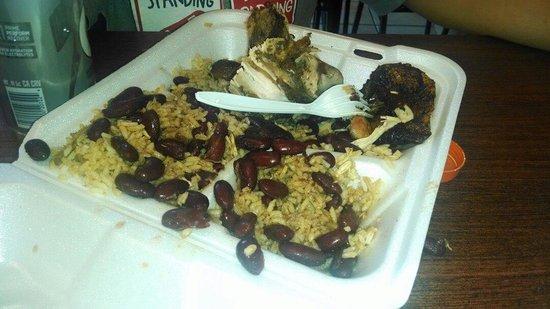 Super Chicken Rico: Yummy food