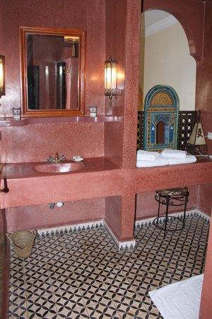 Riad Watier: Our bathroom