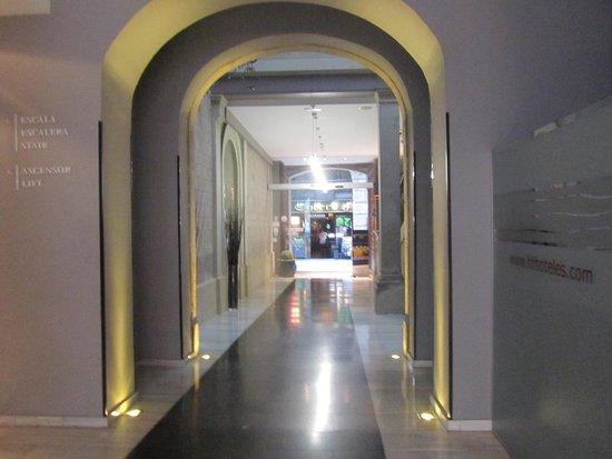 Petit Palace Boqueria Garden: corridors