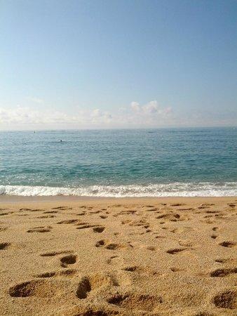Lloret Beach : Крупный песок