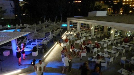 Hotel Astoria Playa Only Adults : terraza