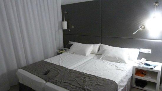 Hotel Astoria Playa Only Adults : habitación