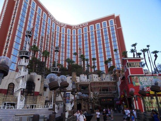 Treasure Island - TI Hotel & Casino: Front of the TI hotel & casino
