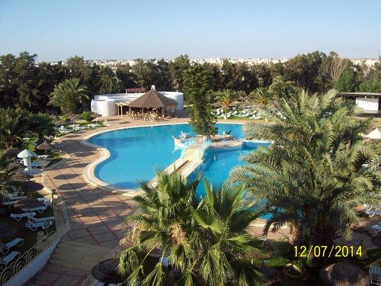 Ramada Liberty Resort Hotel: pool view