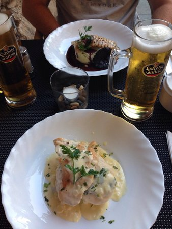 The Pepper Pot: Chicken main and pork main. - best meal of the holiday.
