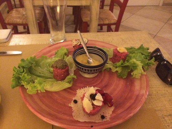 Enoteca La dolce vite: Beef tartare served 4 ways (each wonderful)