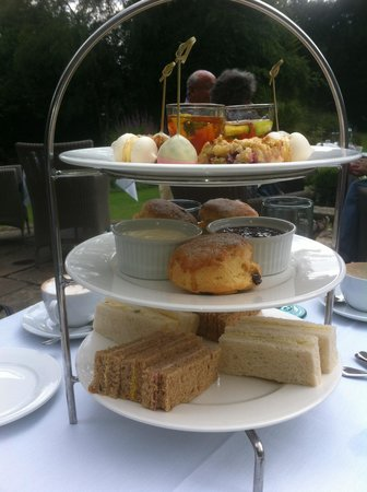 Langshott Manor Hotel Gatwick : selection of cakes and sandwiches