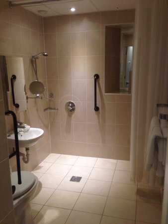 Sloane Square Hotel: Bathroom