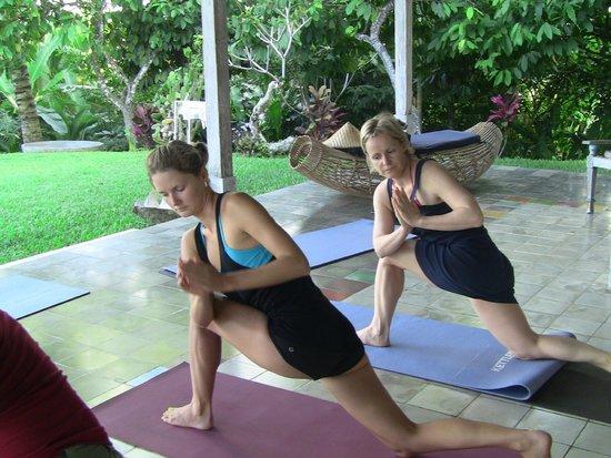 Kura Kura Yoga Retreat: yoga session