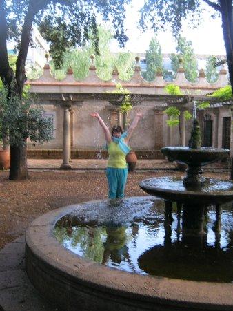 Residencia Salesiana Marti-Codolar: in their park