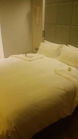 New Hotel: lit