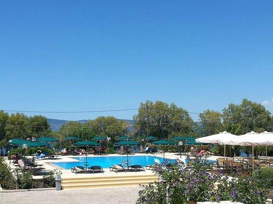 Bella Vista Hotel: Pool and Pool Bar