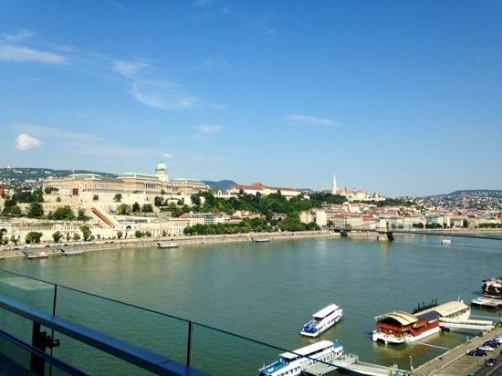 Budapest Marriott Hotel: View from concierge terrace at our hotel room.