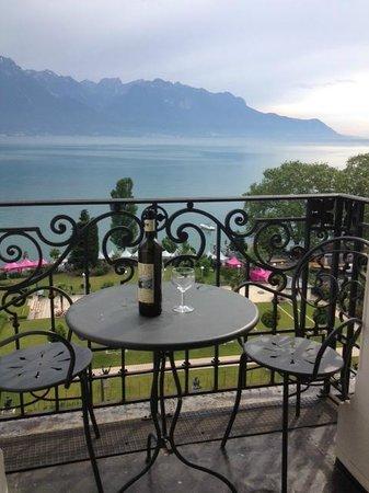Fairmont Le Montreux Palace: Balcony