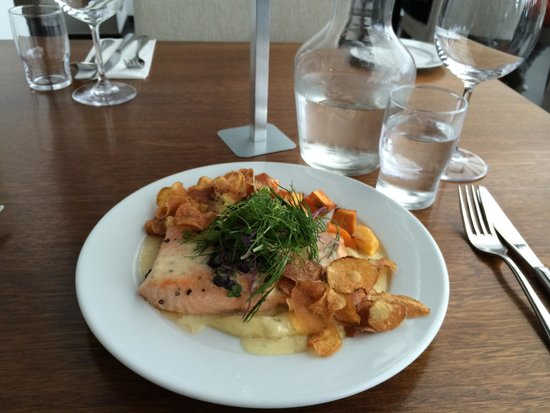 Park Inn by Radisson Reykjavik Keflavik Airport: My Delicious Salmon Dinner At The Hotel Restaurant