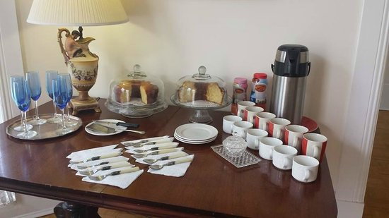 The Confederate House: Cake and Coffee outside of the room