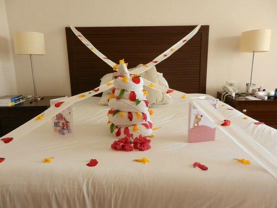 Jaz Mirabel Club: birthday bed art :)