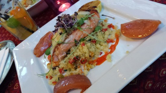 Soul Cafe and Restaurant: Salmon and couscous