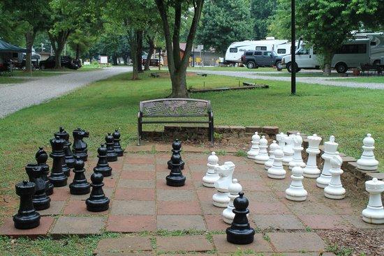 Bowling Green KOA : Chess site