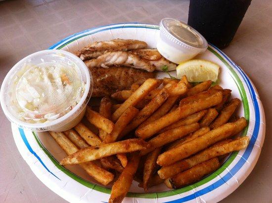 Key Largo Fisheries Backyard: filet de snapper grillé