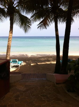 Mayan Princess Beach & Dive Resort: View from Condo