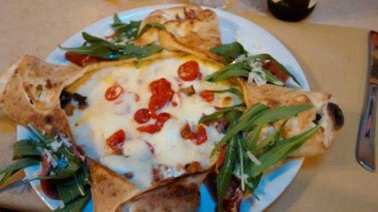 Ciro Oliva Concettina ai Tre Santi : una delle meravigliose pizze