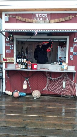 Tracy's King Crab Shack: Our friendly barkeep