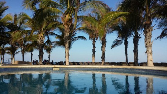 Hyatt Ziva Los Cabos : Breath taking view from the pool.