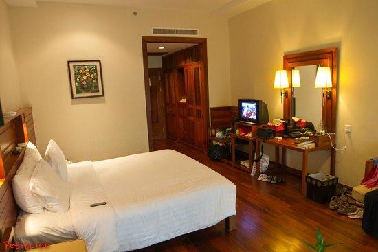 Angkor Miracle Reflection Club: Room