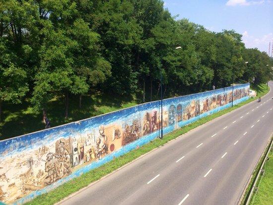 Krakow Free Walkative Tour: street art in krakow