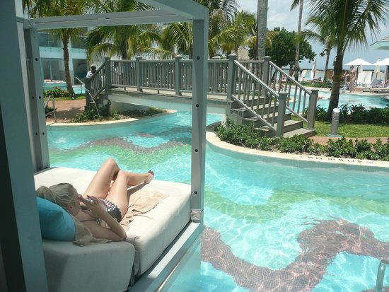 Azul Beach Resort Negril By Karisma Swim Up Room