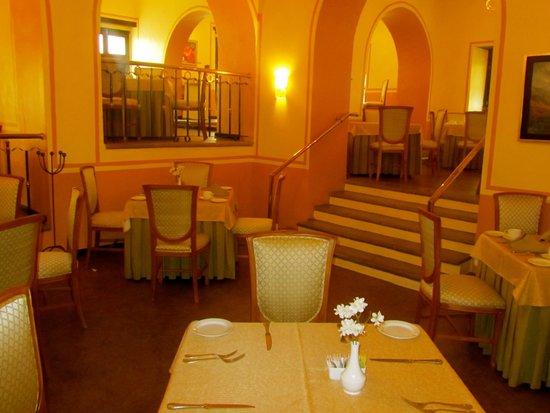 Meson de Jobito: Dining Room/Restaurant