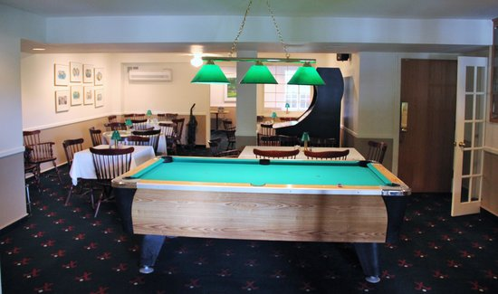Wolf Hollow at The Water Gap Country Club: Pool room