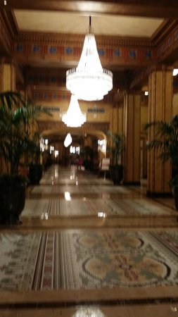 The Roosevelt New Orleans, A Waldorf Astoria Hotel: Lobby