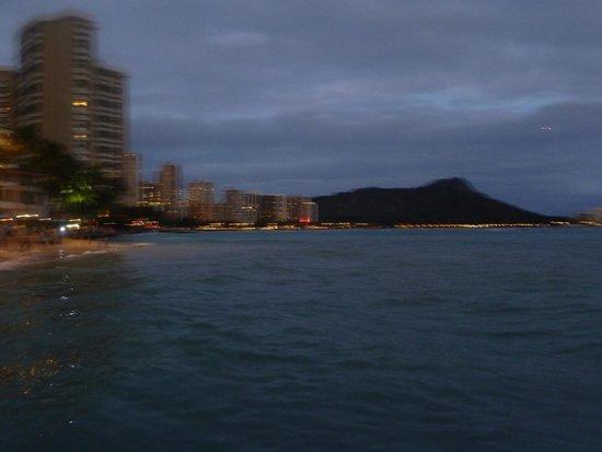 The Modern Honolulu : Waikiki beach