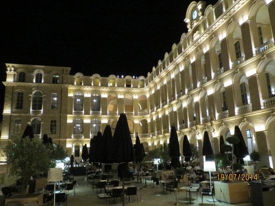 Les Fenetres: La terrasse