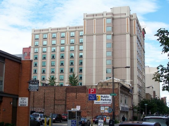 Hampton Inn Philadelphia Center City - Convention Center : The Hotel