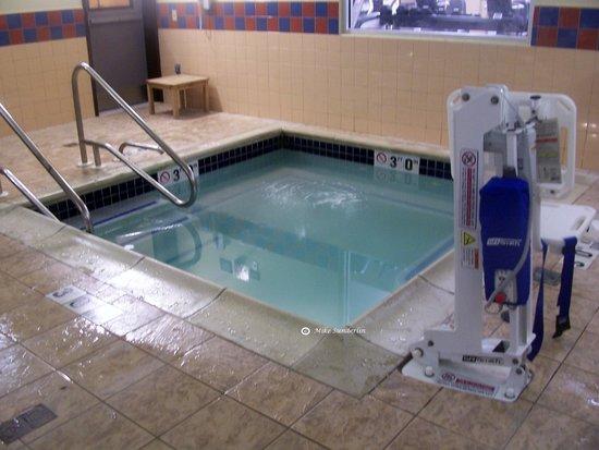Hampton Inn Philadelphia Center City - Convention Center: Hot Tub