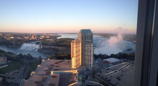 Embassy Suites by Hilton Niagara Falls Fallsview Hotel: View from the 38 floor