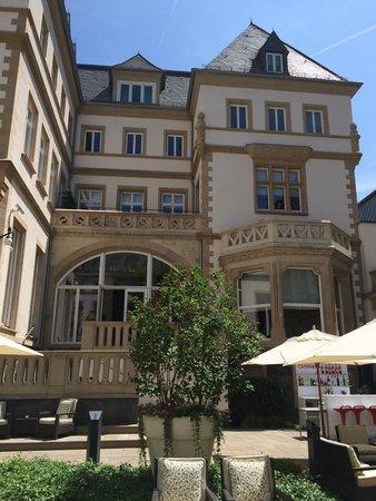 Villa Kennedy: Courtyard
