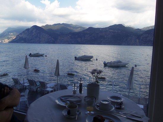 Hotel Vega: colazione con vista lago eccellente