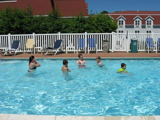 Acadia Inn: Pool