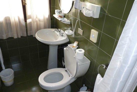 Hotel al Clubino: Il bagno della 47 - Con Finestra !