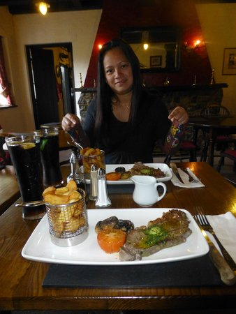 The West Arms Hotel: Succulent Steak