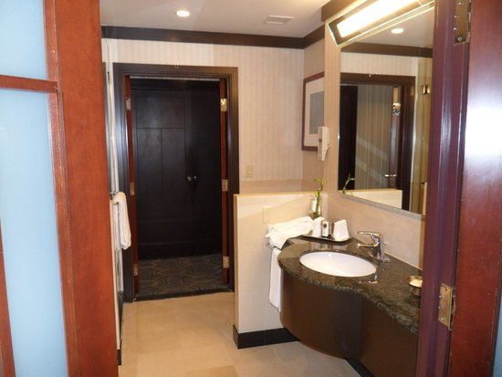 Sofitel Philadelphia Hotel: jr. suite bathroom