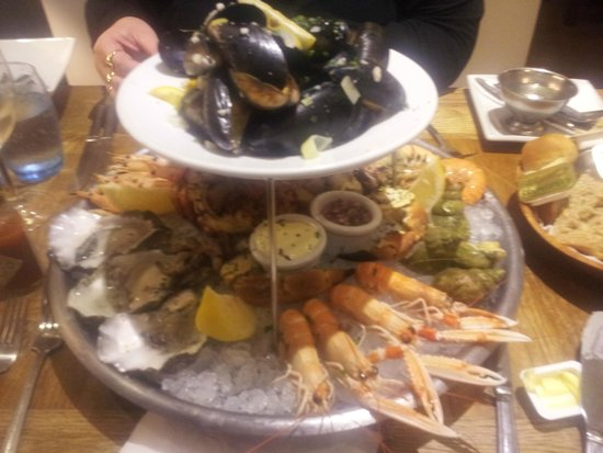 White's Seafood & Steak Bar: Hot and Cold Crab Platter