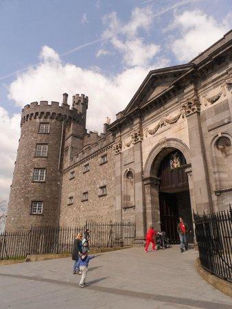 Kilkenny Castle: Fachada do Castelo
